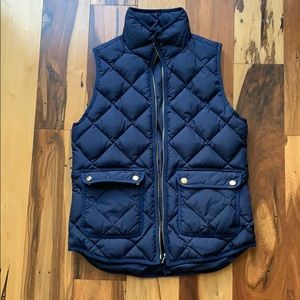 J.Crew Navy Quilted Vest  size XS